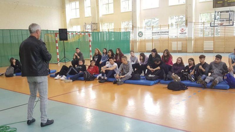 Spotkanie młodzieży z Honorowym Dawcą Krwi